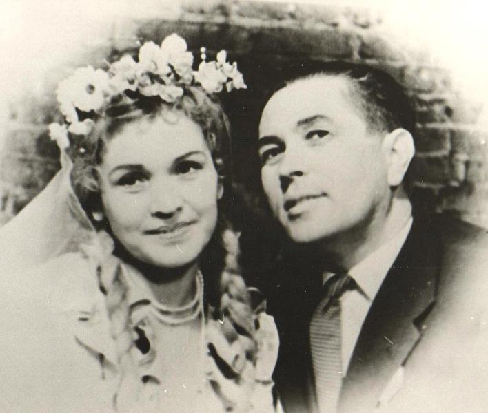 Ю.Трошева и И.Аврамов в спектакле Свадьба Н.Дьяконова 1949г